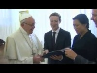 Zuckerberg_pope_facebook